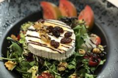 Restaurante-La-Pubilla-Esplugues-De-Llobregat-Ensalada-Queso-Cabra-Fin-De-Semana1