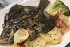 Restaurante-La-Pubilla-Esplugues-De-Llobregat-Rodaballo-Horno-Patata-Panadera-Fin-De-Semana