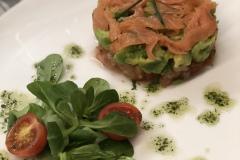 Restaurante-La-Pubilla-Esplugues-De-Llobregat-Timbal-Salmón-Aguacate-Tomate-Fin-De-Semana